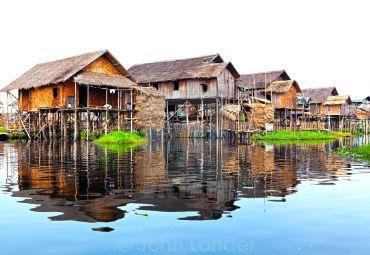images/tour/float-village.jpg